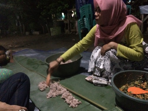 Welcome dinner, Tongkol kampung