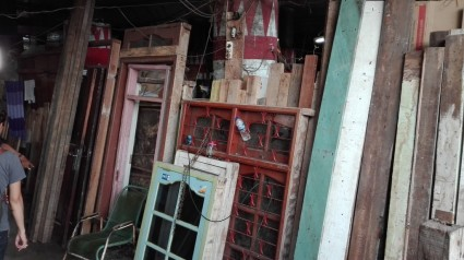 Recycled materials for sale, Penjaringan kampung